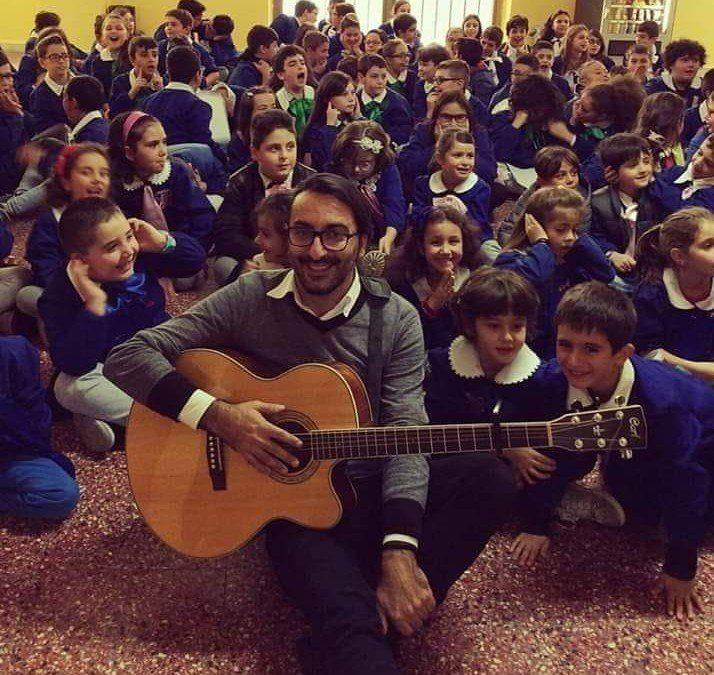 Gianluca Lalli| Il cantautore che educa alla fantasia