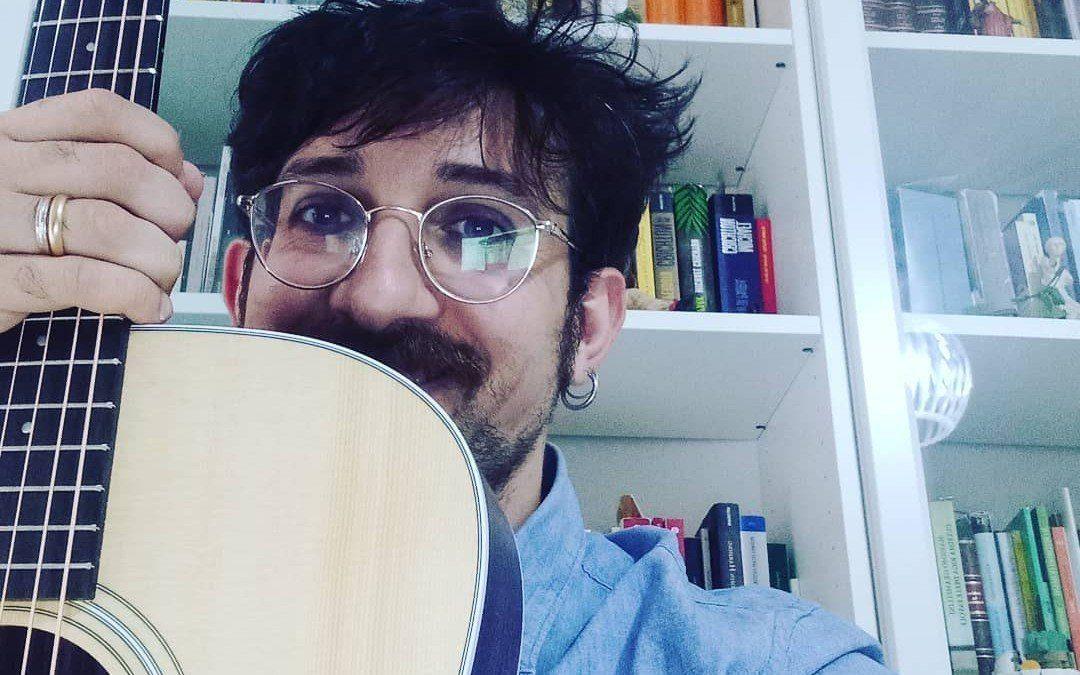 Francesco Amoruso | Parole, incanto e ironia
